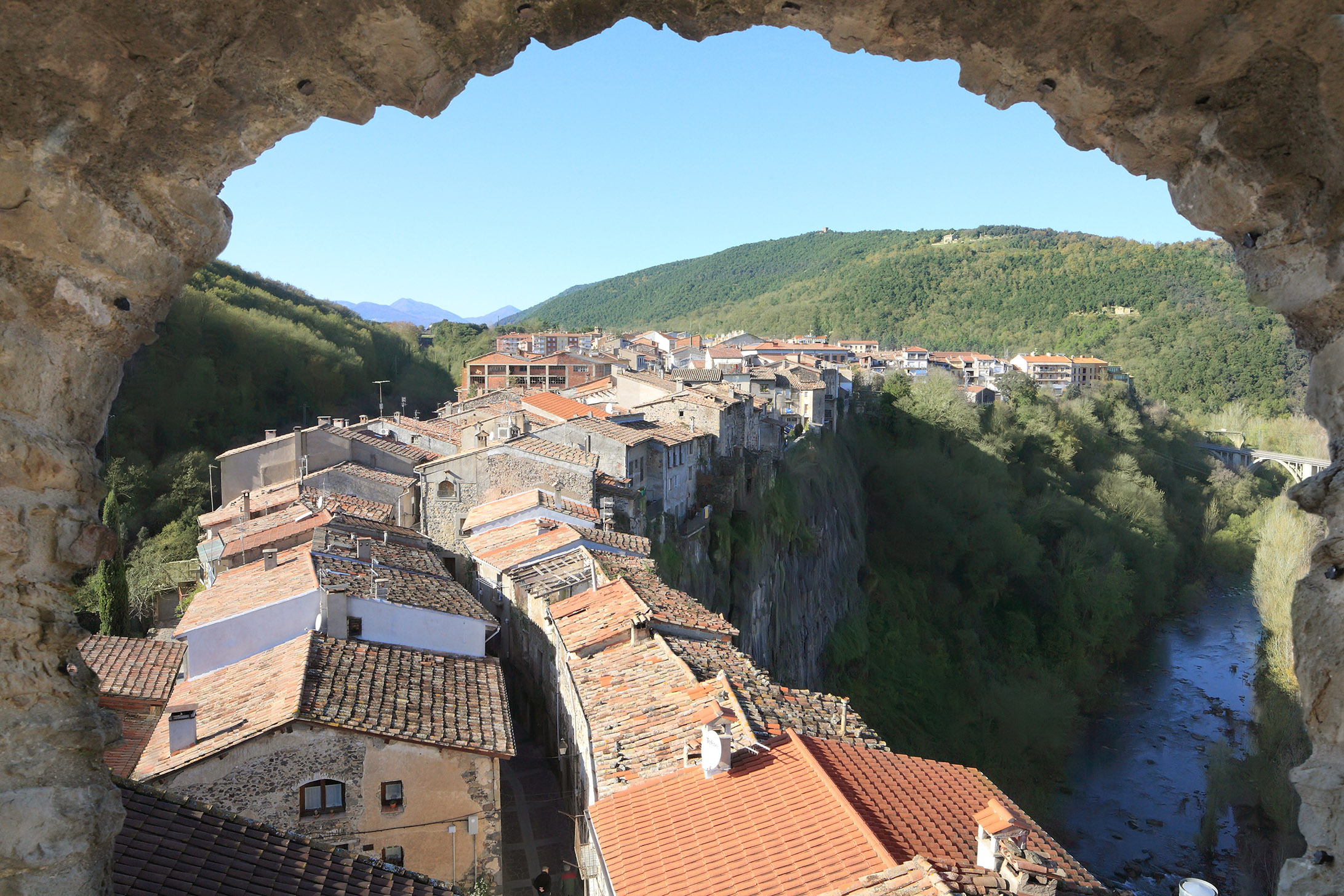 Esgar Viajes_Castellfolli de la Roca_2