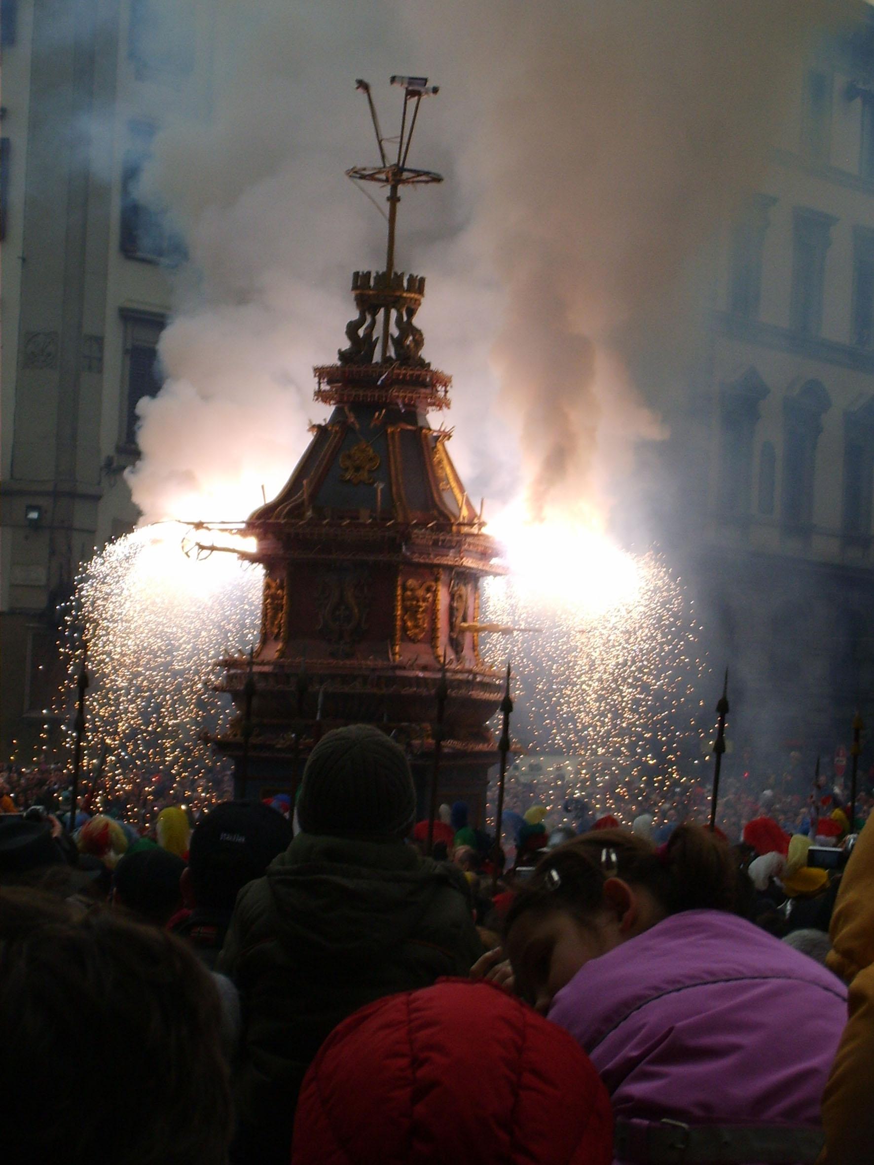 Scoppio del carro o explosión del carro en Florencia